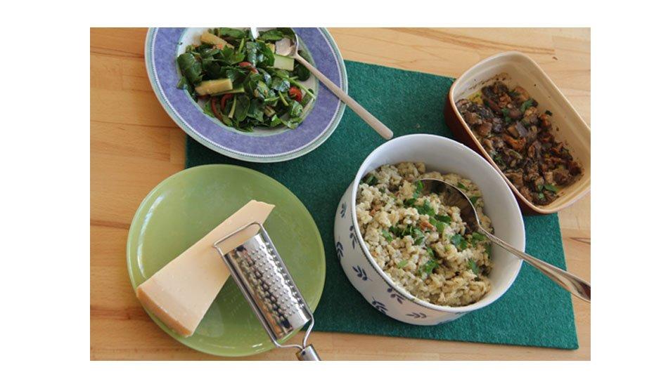 Jamie Oliver 30 Minuten Menü - cremiger Pilzrisotto, Spinatsalat, schneller Käsekuchen im Becherglas 3